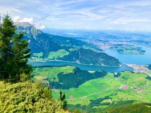Aussicht vom Stanserhorn auf den Vierwaldstättersee und Luzern