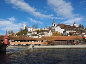 DIE KAPELLBRÜCKE, DER WASSERTURM, DAS LÖWENDENKMAL, MUSEGGMAUER, ALTSTADT und viele weitere Highlights in Luzern.
